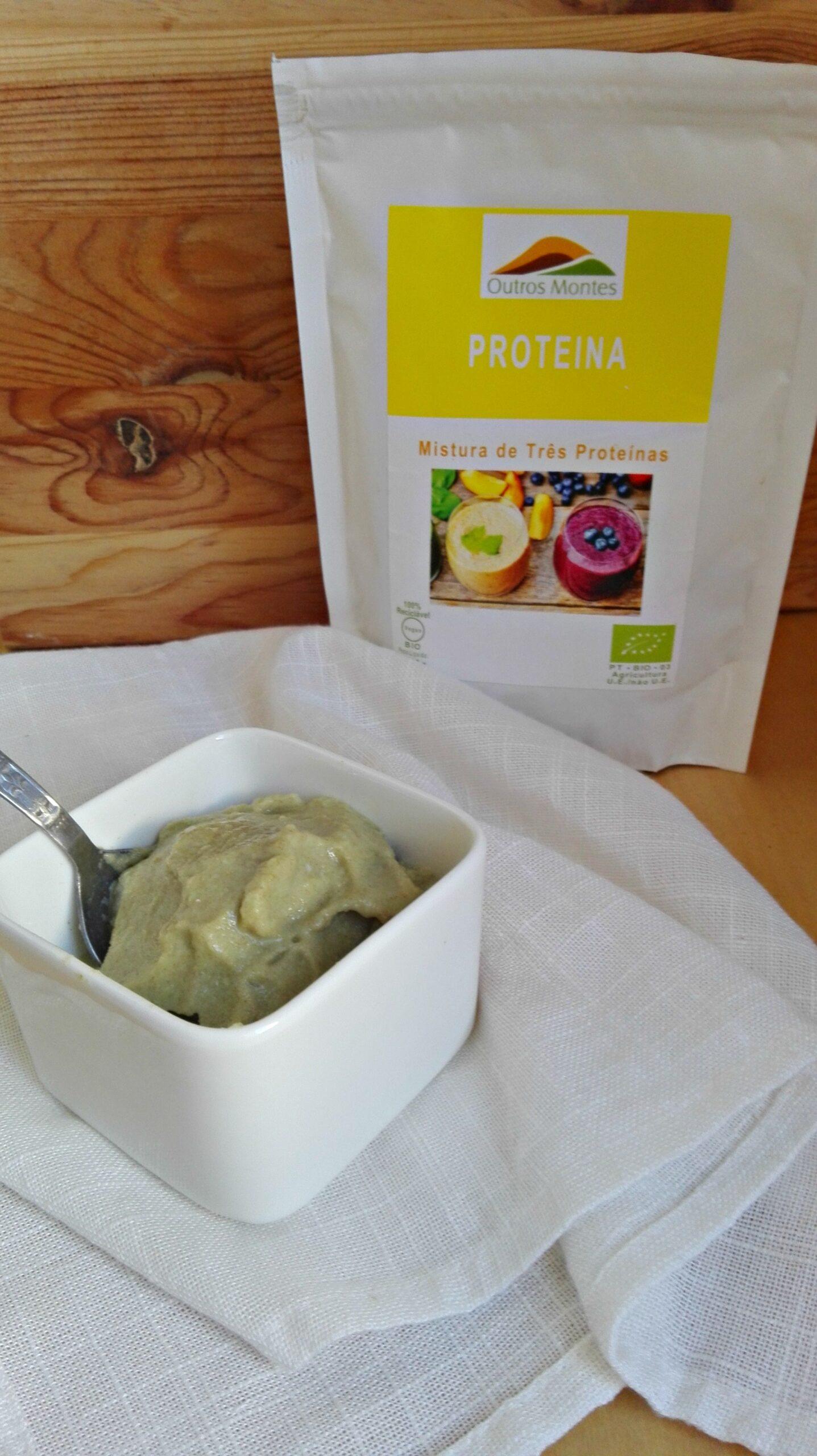 Gelado de meloa e Mistura de Três Proteínas Outros Montes