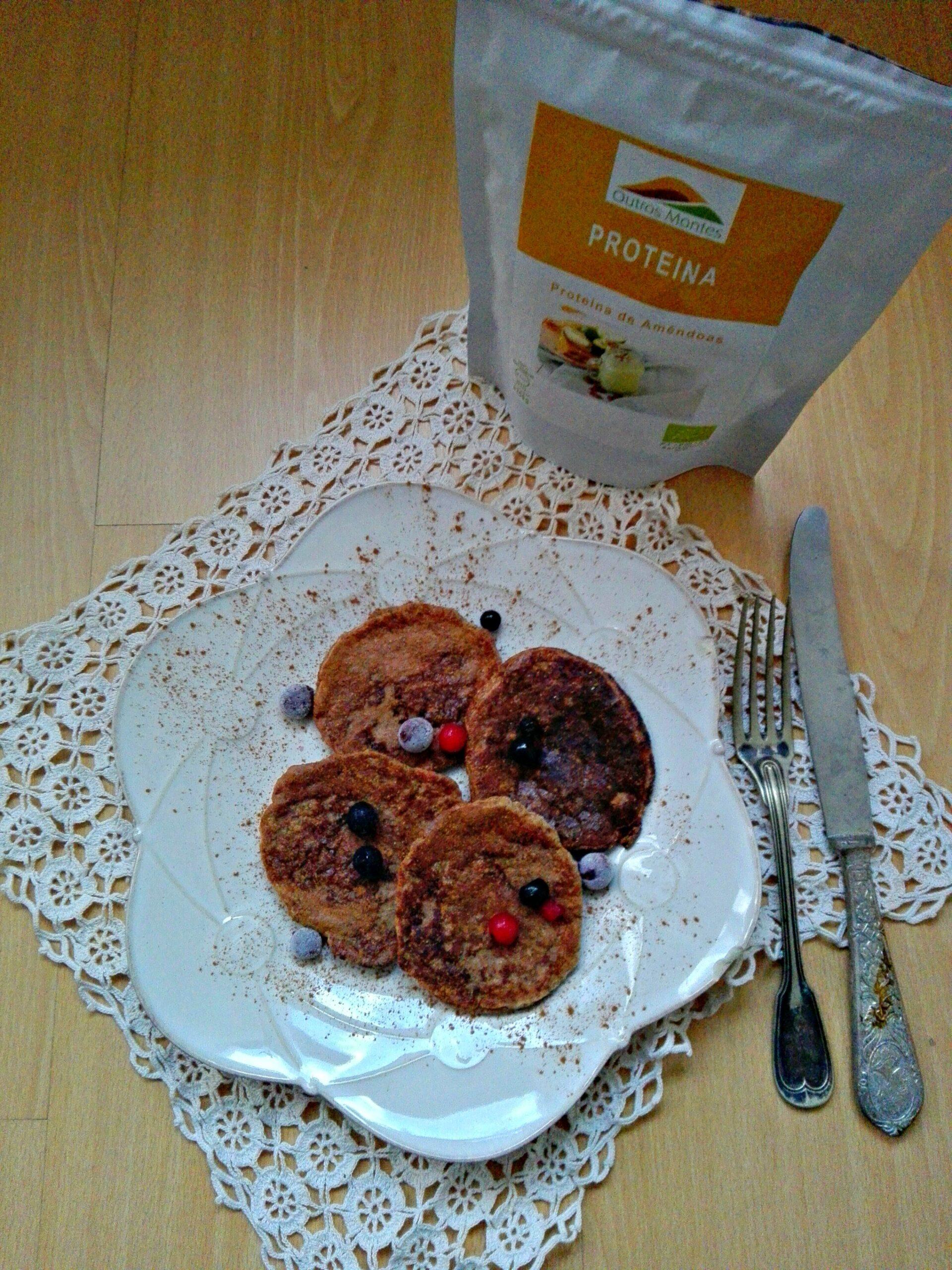Panquecas de pêra e Proteína de Amêndoa Outros Montes (sem ovos e sem açúcares refinados)