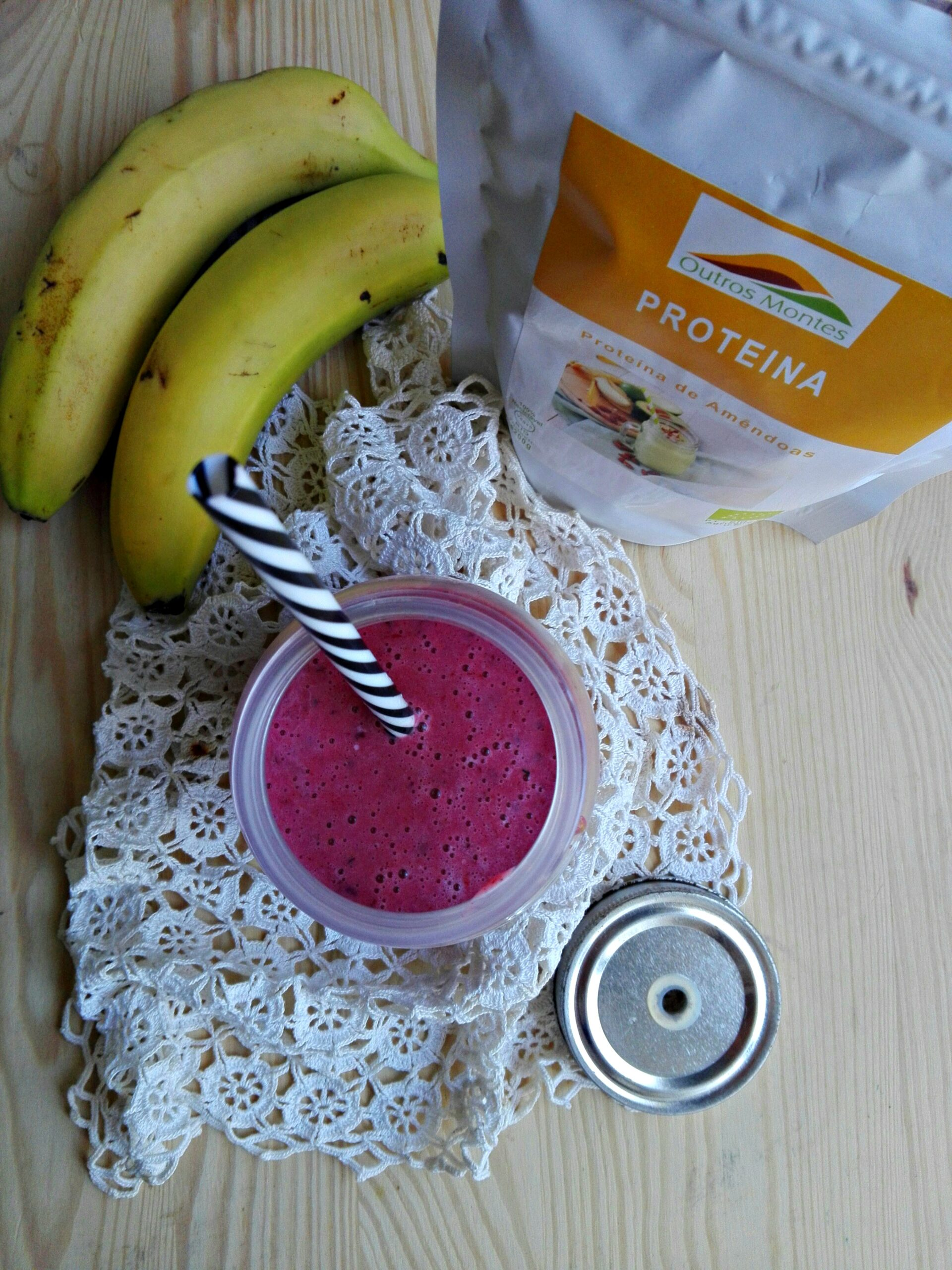 Smoothie de banana, Aronia e Proteína de Amêndoa Outros Montes