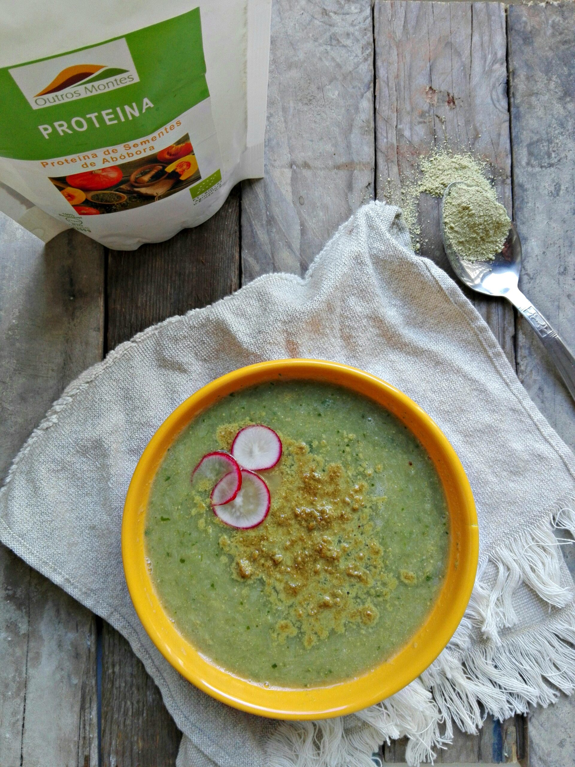 Sopa de alho-francês com Proteína de Sementes de Abóbora Outros Montes