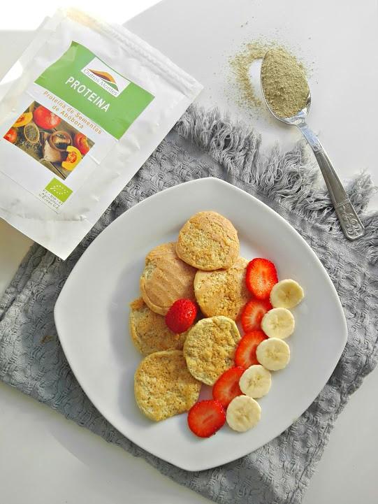 Panquecas de banana, trigo sarraceno, côco e Proteína de Sementes de Abóbora Outros Montes