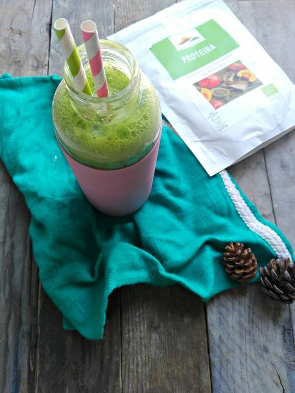 Smoothie de maçã, abacaxi, espinafres e Proteína de Sementes de Abóbora Outros Montes