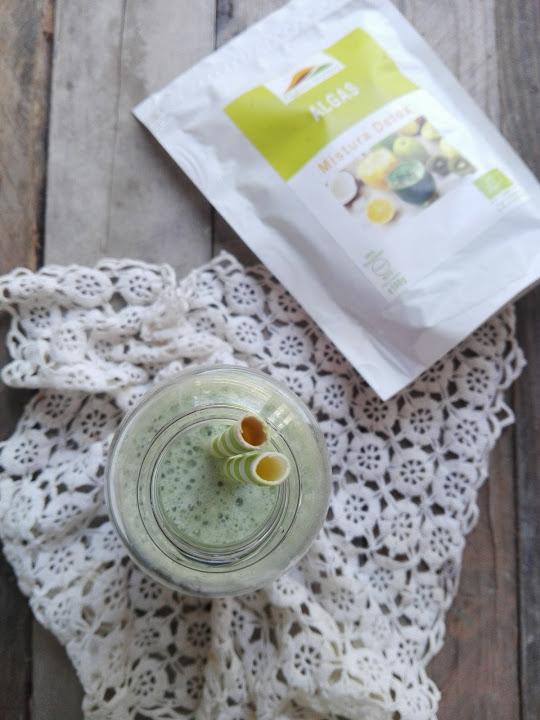 Batido detox de kiwi, abacaxi e Mistura Detox Outros Montes